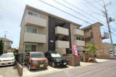 2LDK全6世帯の3階建物件/敷地内駐車場・駐輪場・ゴミBOX有