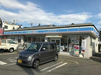 コンビニエンスストアの「ローソン松戸河原塚店」まで徒歩1分(80m)!
