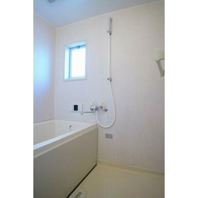 清潔感のある浴室になります♪追焚機能がついております!1日の疲れを癒してください♪