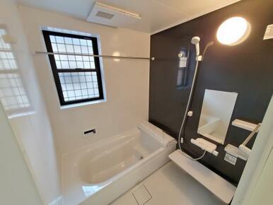 浴室 ゆったりと足が伸ばせる1.0坪サイズのユニットバス!
