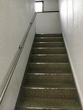 内階段で快適です。
