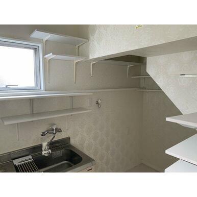1階階段下バックヤードとして使用していたスペース。ミニキッチンあり!