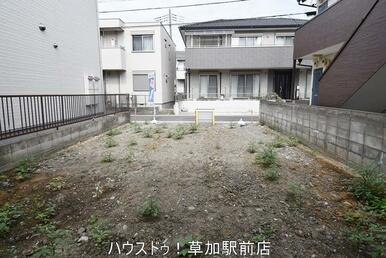 土地面積:82.74㎡。新田小学校まで徒歩4分(約316m)。すぐにご案内可能ですので、お気軽にお…