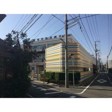 東京交通短期大学図書館