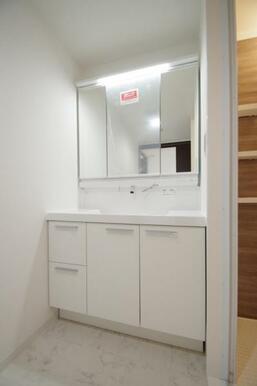 《浴室暖房乾燥機》
