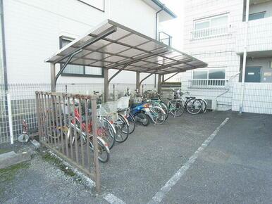 駐輪場も付いてます。