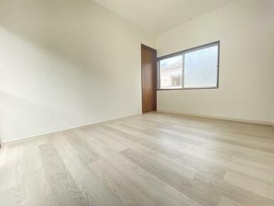 2階約6帖の東側洋室 別角度です。