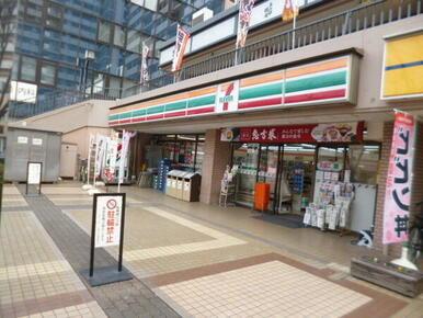 セブンイレブン品川西大井駅前店