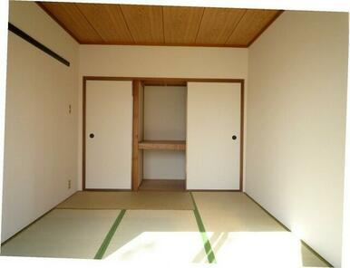 6帖和室の収納スペース♪