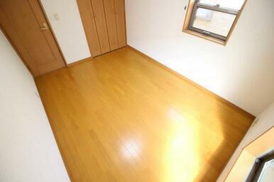 6帖+収納でお部屋を広く使えます!