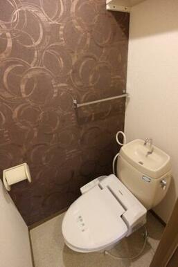 B202 温水洗浄暖房便座