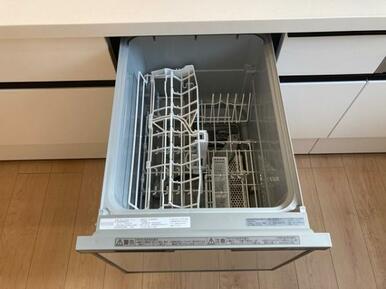 食洗器付きで忙しい家事を手助け!