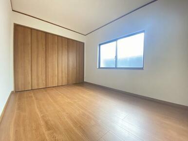 2階北側洋室の様子です。