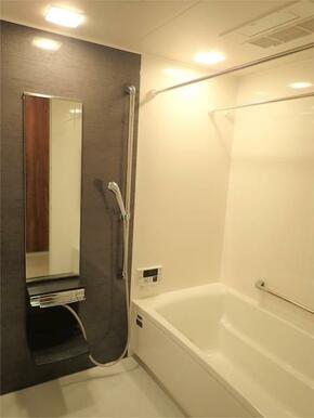 ●浴室 ゆったりとした浴室♪浴室暖房乾燥機付き!