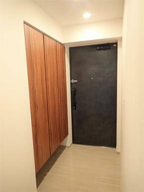 ●玄関 下足箱は豊富に収納が可能です!