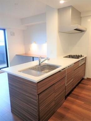 ●キッチンは収納スペースが豊富で使い勝手も良好♪食洗機付き!