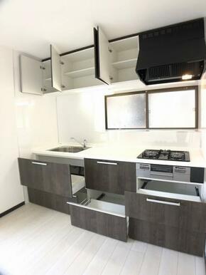 「キッチン」 収納スペースたくさんあります。
