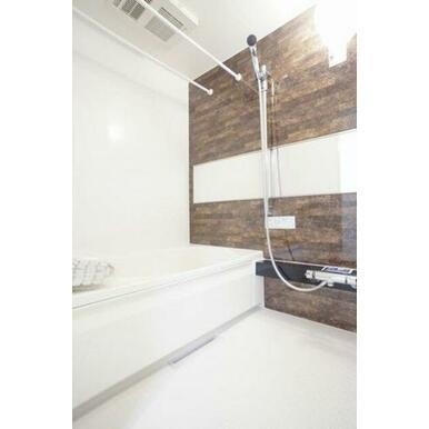 ◆浴室◆追い焚き機能付きで、いつでも温かい湯船につかることができます♪カビ防止や部屋干しに便利な浴室