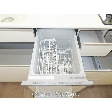 食洗器もついているので、忙しい方にも便利!