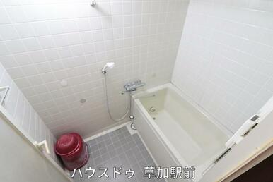 浴室には浴室換気乾燥機が付いているので、防カビや雨の日のお洗濯にまで幅広く活躍してくれます♪