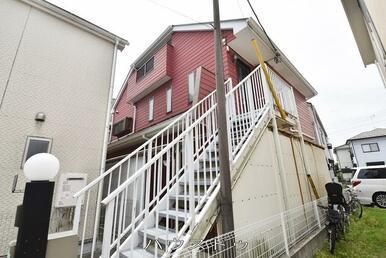 小学校、中学校が徒歩15分圏内!3階建て収納スペース充実の居宅事務所です!!!
