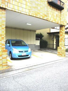 ★敷地内に駐車場あります★