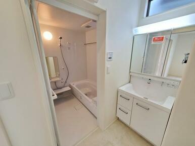 洗面 洗面からお化粧まで♪忙しい朝の準備に便利な洗髪洗面化粧台!