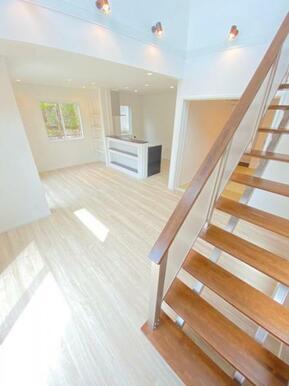 リビングイン階段を採用し、ご家族のコミュニケーションを促進する設計