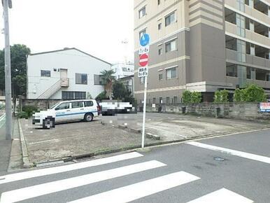 近隣駐車場(物件から40m・空き確認要)