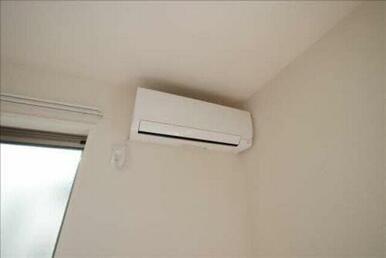 エアコンが付いているので1年中快適に生活できますね☆さらに、ペアガラスが冷暖房効率を高めてくれるので