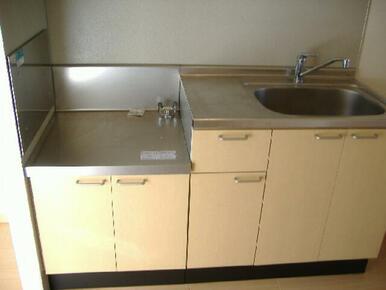 【キッチン】水栓はシングルレバーとなります。