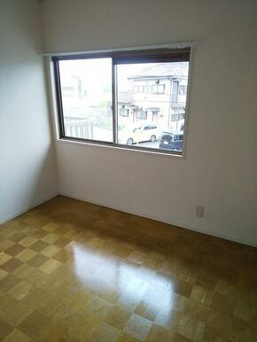 2階・4.5帖の洋室