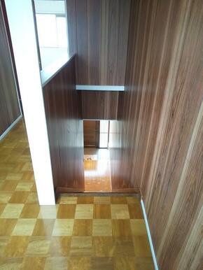 1.2階と分かれた造りの為、戸建感覚でお住まい頂けるテラスハウスタイプ♪