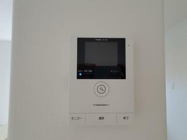 設備 自動録画機能付!カラーモニター付インターホンで急な来客にも安心対応!