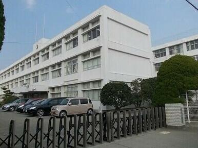 松茂小学校