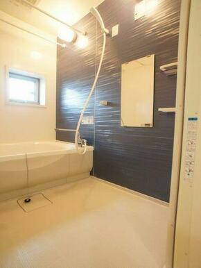 浴室には1年中お使い頂ける浴室乾燥機ご用意しています☆