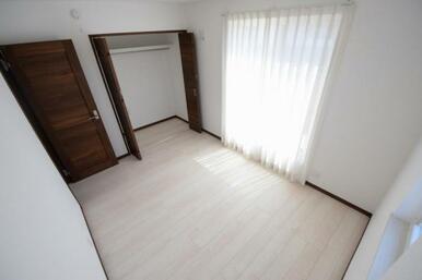 全てのお部屋に収納&窓を備え広さを問わず快適にお過ごし頂けます