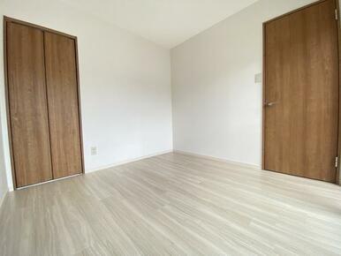 2階西側洋室 別角度です。