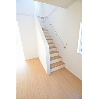どこにいても家族の気配の感じられるリビングイン階段