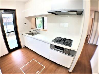 【キッチン】ゆったりスペースのキッチンでお料理もはかどります♪