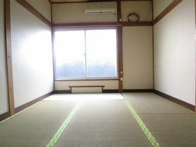 参考に1号室のお写真です。