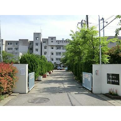 両新田中学校