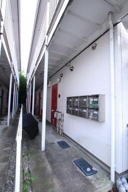 建物入り口部分