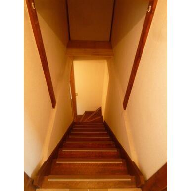 ★2階建てなので階段あります★