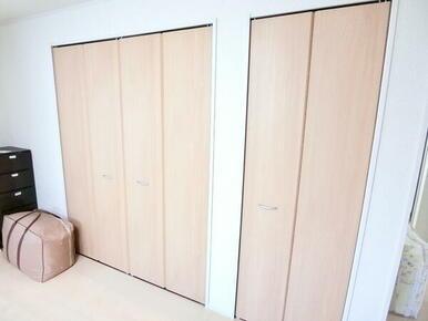 2階洋室10帖収納