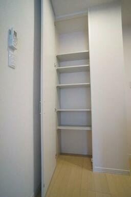 【収納】内部に棚が設置されている収納スペースです!