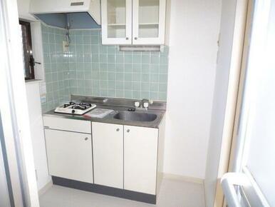 キッチン横にも洗濯機を設置可