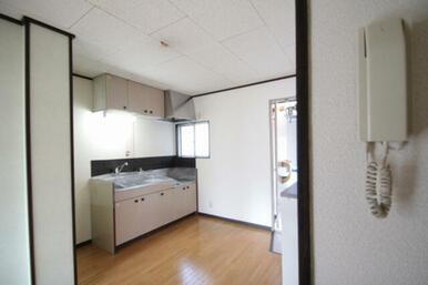 ※退室前、もしくはリフォーム中の為、同物件同タイプの他のお部屋の写真を掲載いたします。リフォームの内