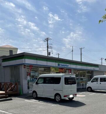 ファミリーマート 横須賀金谷店