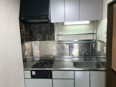 ガス2口設置可能なお料理しやすいキッチンです